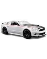 1:24 SP New Ford Mustang Street Racer Metallic White - Maisto Die-Cast