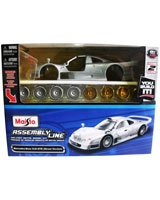 Assembly Line Mercedes-benz CLK-GTR - Maisto Die-Cast